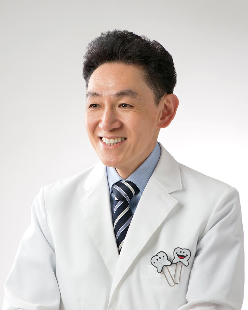 歯槽膿漏の歯科治療室(メール相談Dr.天野横顔)