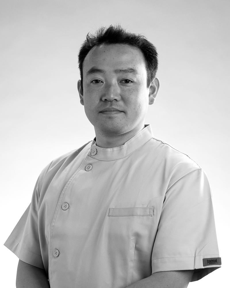 歯槽膿漏の歯科治療室Dr.天野健三