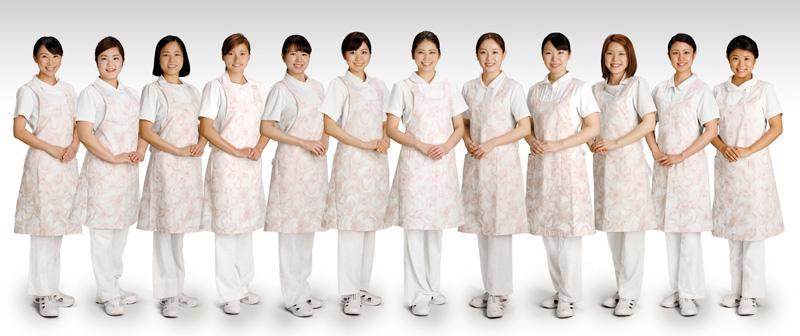 歯槽膿漏の歯科治療室歯科女性スタッフ
