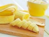 バナナの皮で白い歯